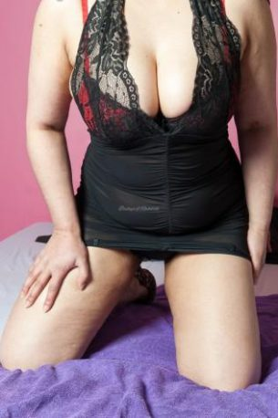 assets-uploads-escorts_images-jaz_7573-380x475